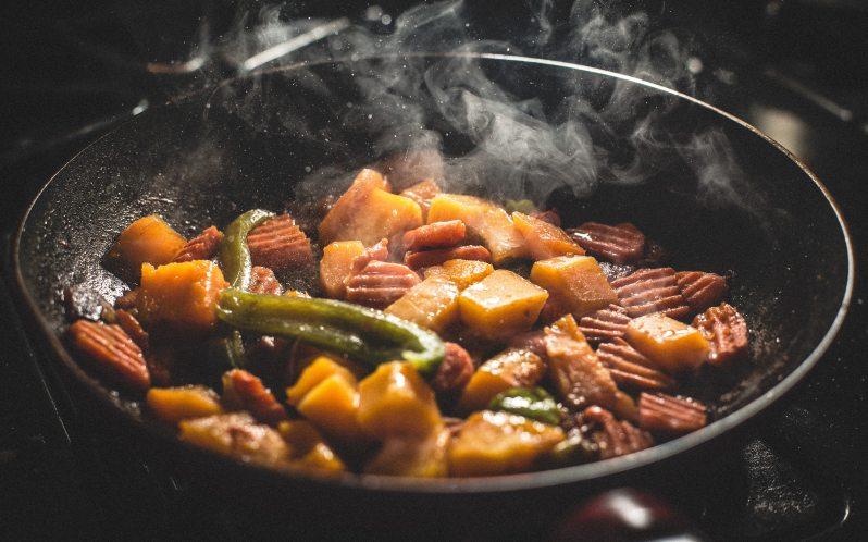 cooking-dinner-food-76093.jpg